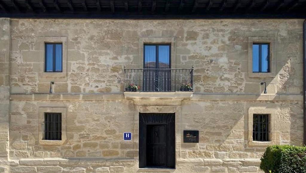 foto fachada 1 1 - El hotel