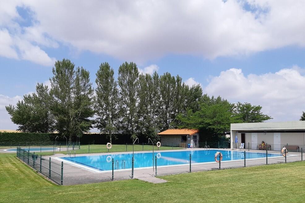 piscina 2 1 1 1 - Bienvenida