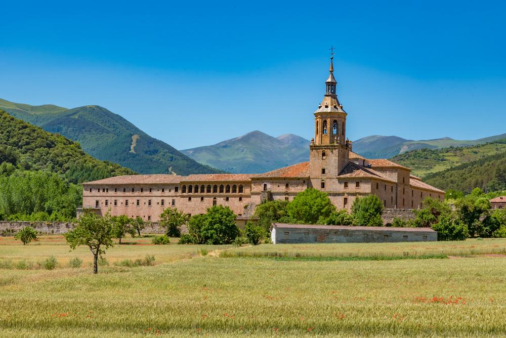 shutterstock 490960522 - Turismo cultural: Las joyas del románico en La Rioja